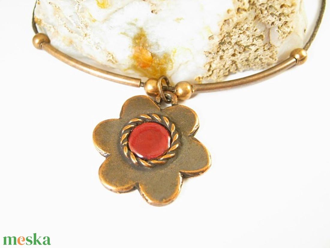 Borvörös alandor - kézműves medál, nyaklánc - virág medál, egyedi tervezésű kézműves ékszer - ékszer - nyaklánc - medálos nyaklánc - Meska.hu
