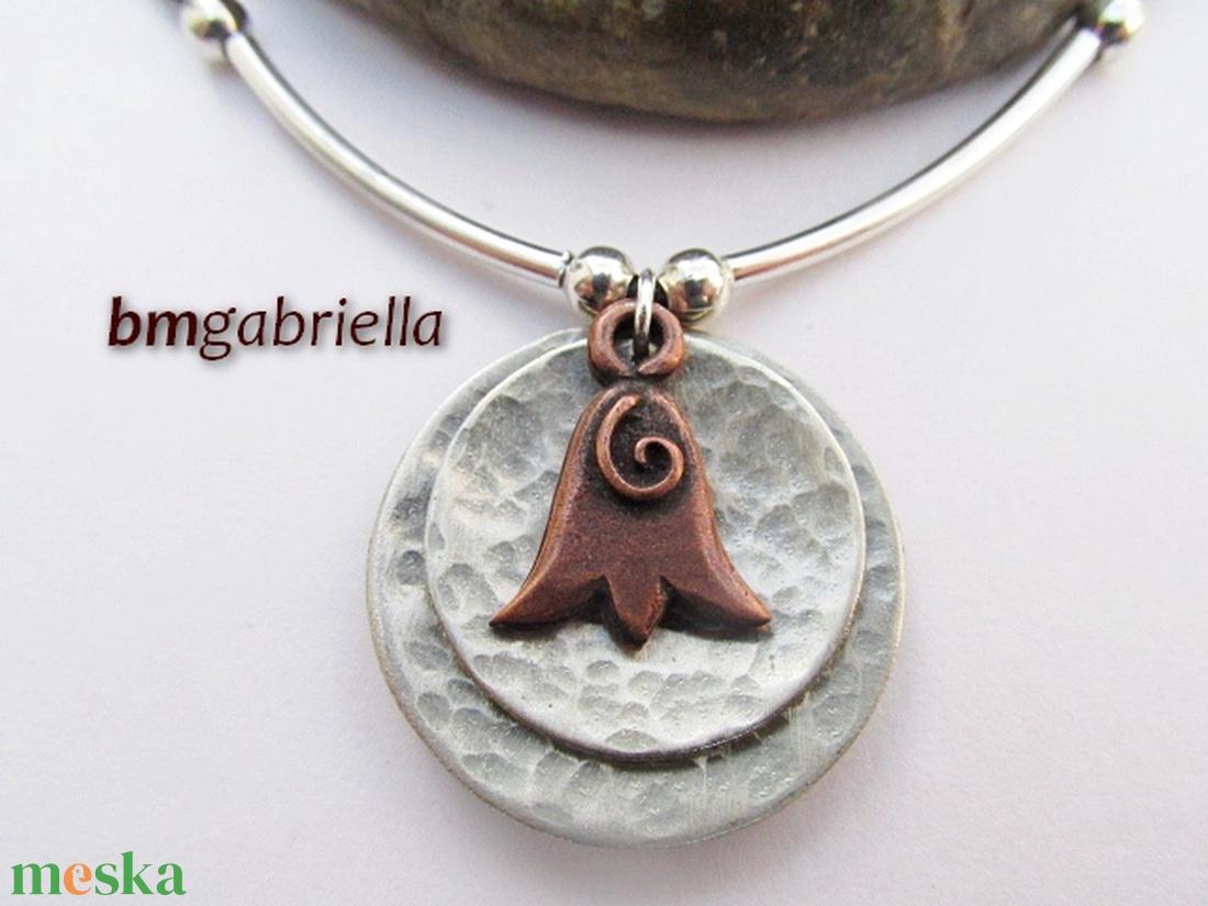 Termő tulipán - kézműves medál, nyaklánc - egyedi tervezésű kézműves ékszer - magyar népi motívum - ékszer - nyaklánc - medálos nyaklánc - Meska.hu