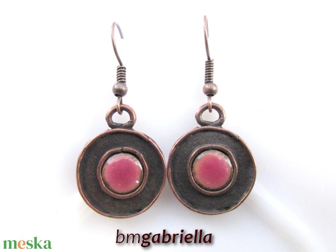 Rózsaszín avar korong - tűzzománc fülbevaló - egyedi tervezésű kézműves ékszer - ékszer - fülbevaló - lógós kerek fülbevaló - Meska.hu