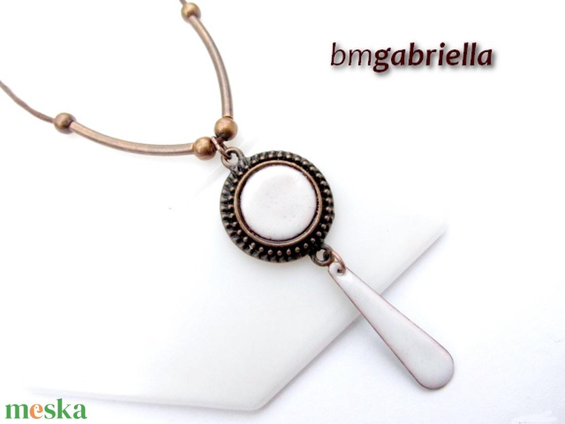 Blanche - tűzzománc medál, nyaklánc -  egyedi tervezésű kézműves ékszer - ékszer - nyaklánc - medálos nyaklánc - Meska.hu