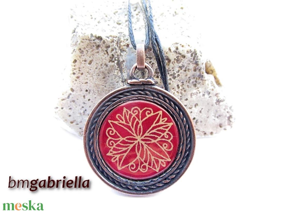 Bordó virágos - tűzzománc medál,nyaklánc - egyedi tervezésű kézműves ékszer - ékszer - nyaklánc - medál - Meska.hu