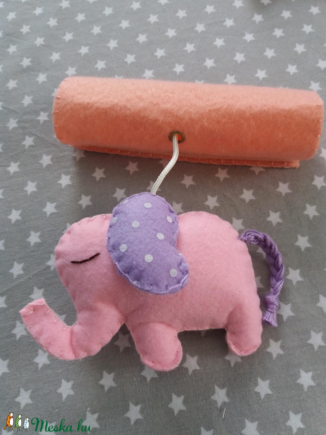 Baba játék szett hordozóra - barack és rózsaszín színvilágban - játék & gyerek - 3 éves kor alattiaknak - csörgő - Meska.hu