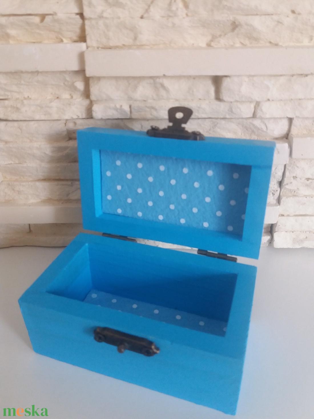 Vidám fa dobozka - kék színben - otthon & lakás - dekoráció - díszdoboz - Meska.hu