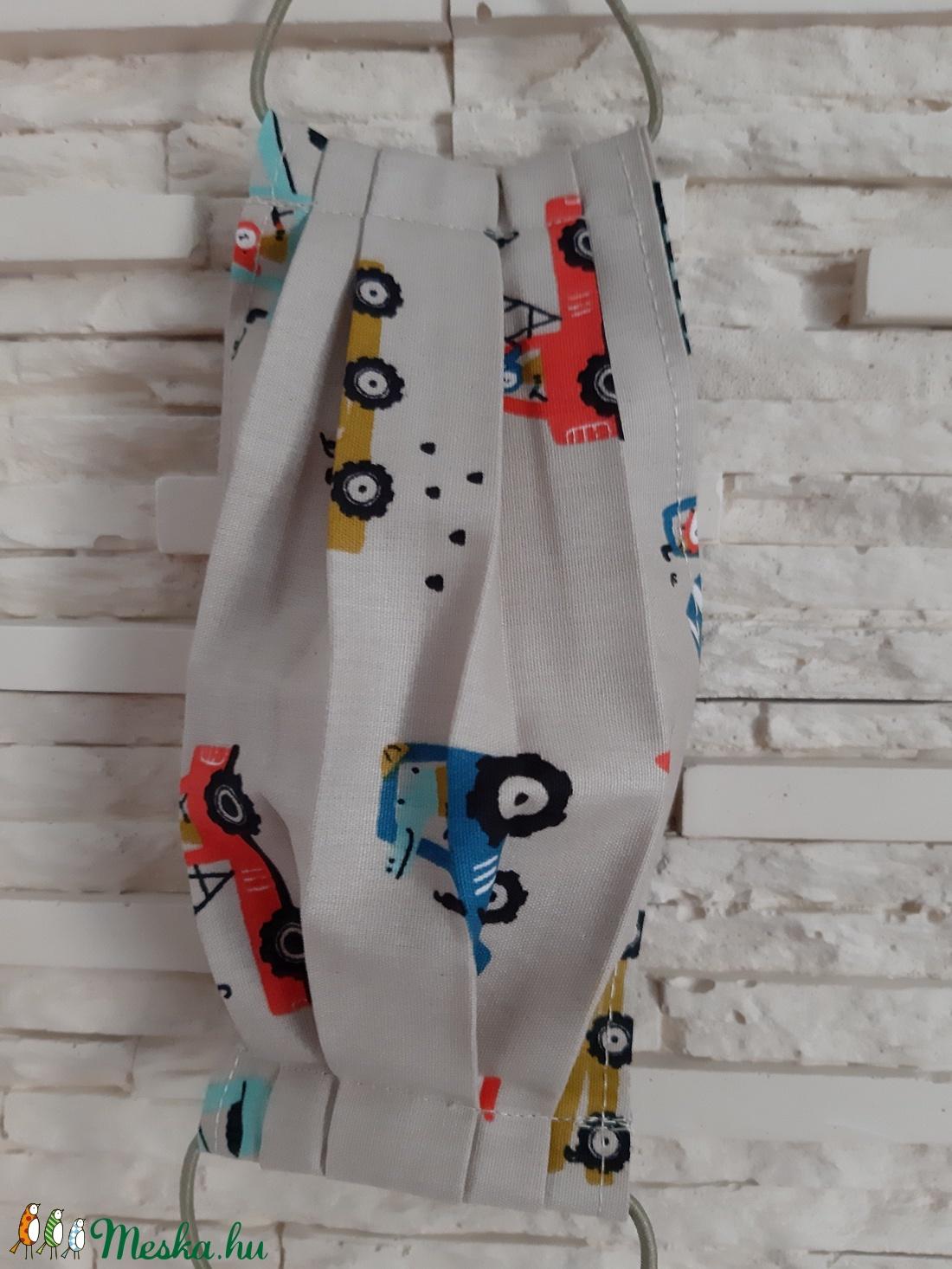 Gyermek textil maszk - halványbarna, munkagépes - maszk, arcmaszk - gyerek - Meska.hu