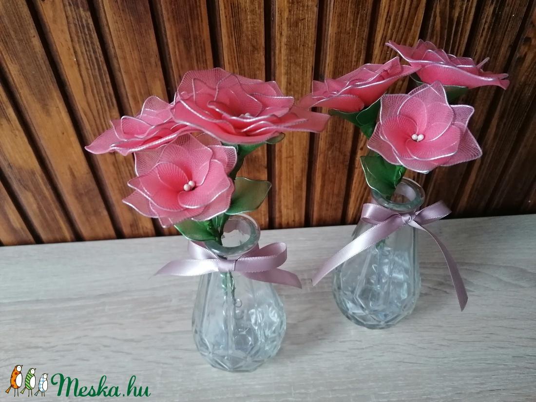 Rózsaszín virágcsokor vázával - asztaldísz, harisnyavirág, örökvirág - Meska.hu