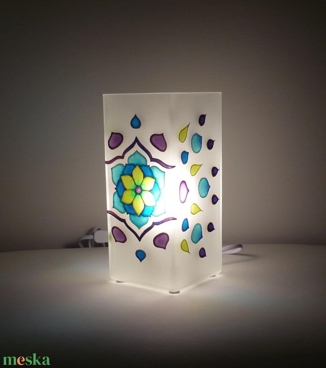 Tavaszi szél - egyedi festett virágos mandala üveglámpa - otthon & lakás - lámpa - asztali lámpa - Meska.hu