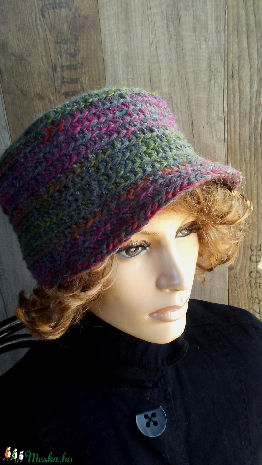 5f8e67577 Női kalap (sapka): Misteriosa (bosziujjak) - Meska.hu