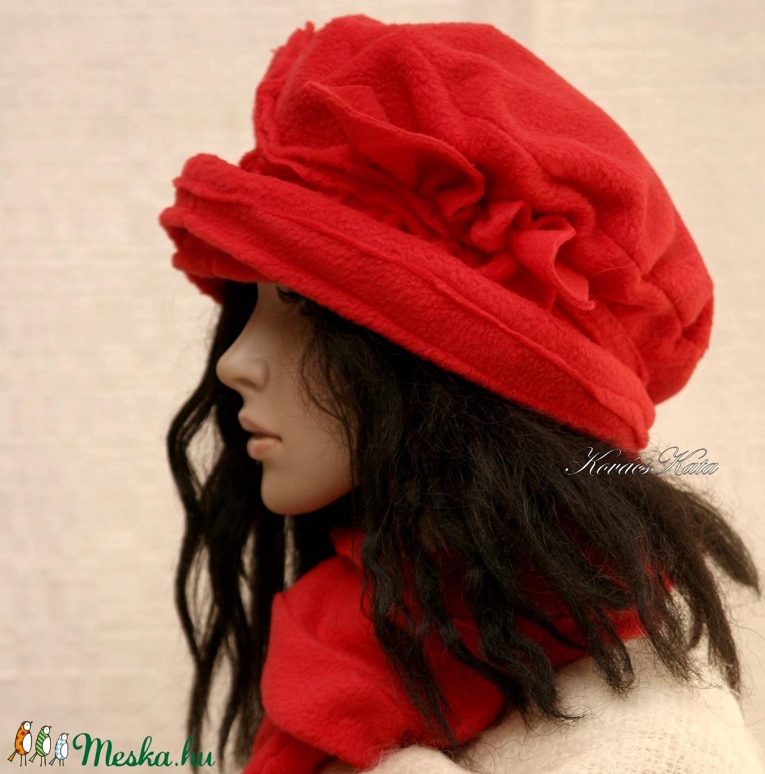 PILLE-szett / piros polár-kalap sállal - ruha & divat - sál, sapka, kendő - sapka & sál szett - Meska.hu
