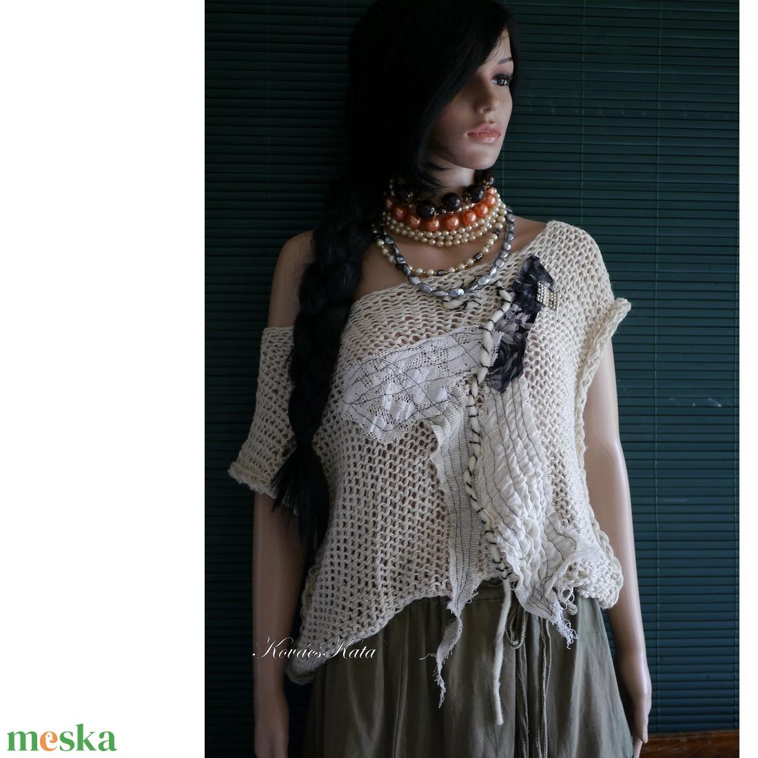 ARTSY-PULCSI - applikált kötött pamut-pulóver / absztrakt - ruha & divat - női ruha - pulóver & kardigán - Meska.hu