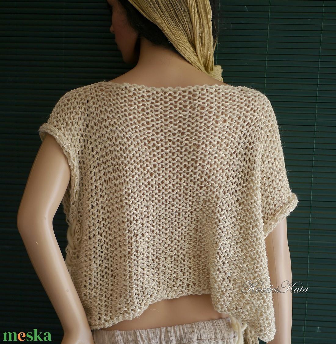 ARTSY-PULCSI - applikált kézzel kötött pamut-pulóver / margarétával - ruha & divat - női ruha - pulóver & kardigán - Meska.hu