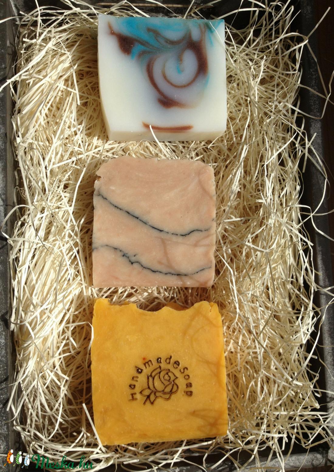 Kézműves szappan csomag (3 normál méretű tömb szappanból) (bubbanatur) - Meska.hu
