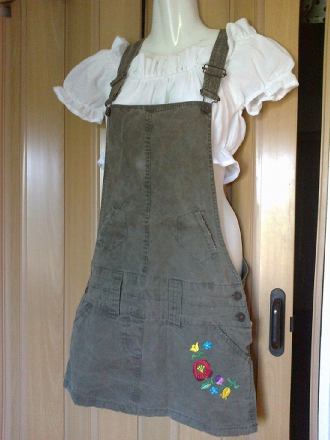 Khaki kertész szoknya kalocsai kézzel hímzett egyedi S  M (Bumbilla) -  Meska.hu d1583a5b4a