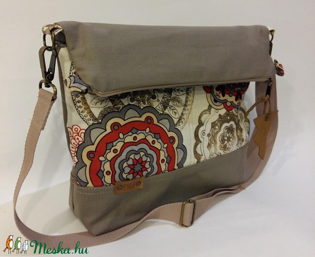 Táska Válltáska ipad táska drapp-piros mandala táska női mindennapos táska ( BYildi) - Meska.hu d9d591ff6a