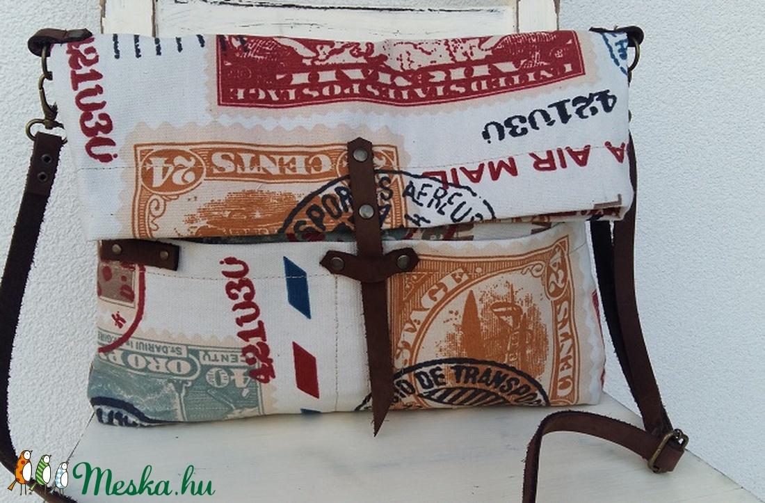 Vászontáska bőrpánttal Közepes méretű vászontáska postapecsétes vászontáska Női  táska a94a9ed40d