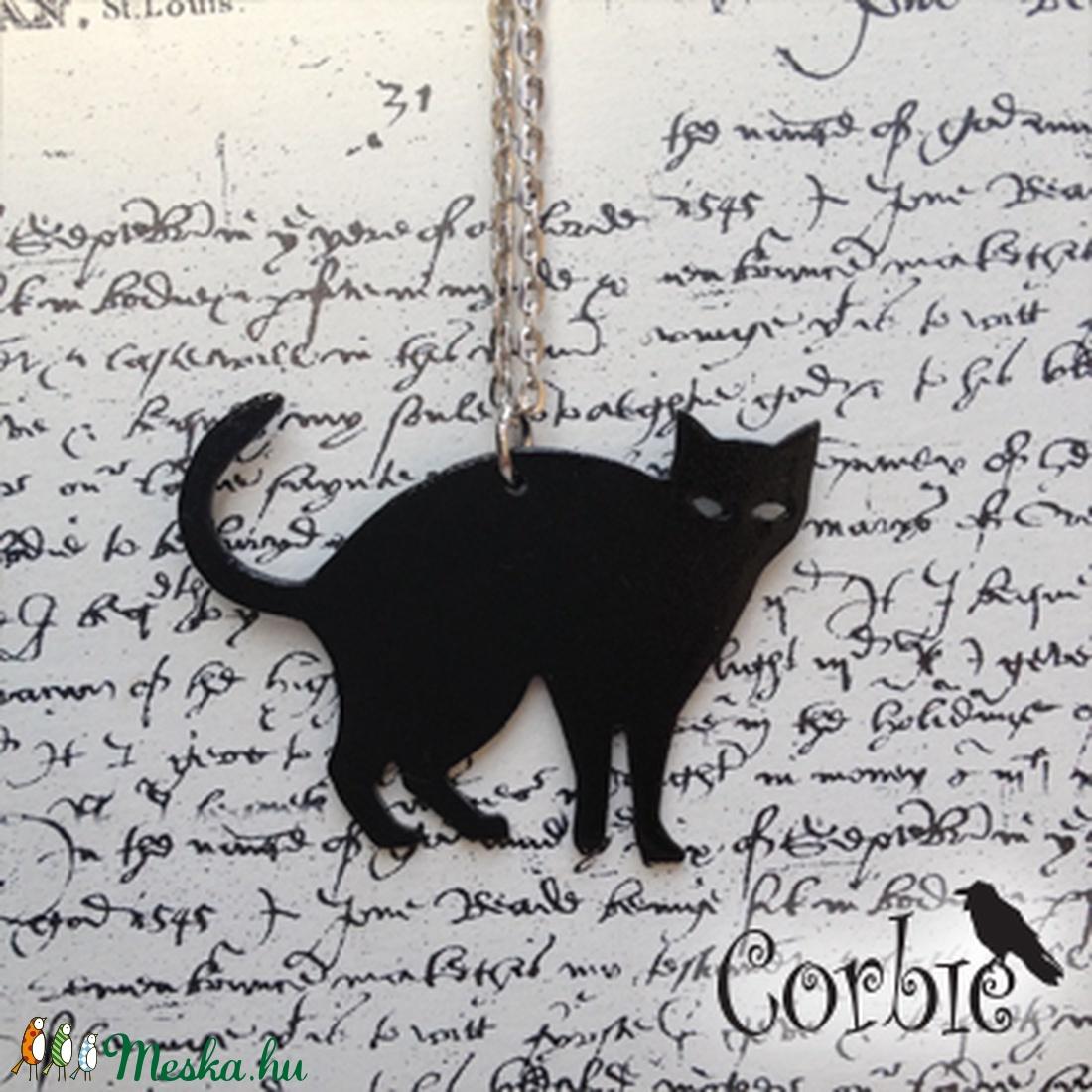 Fekete cica nyaklánc (Corbie) - Meska.hu