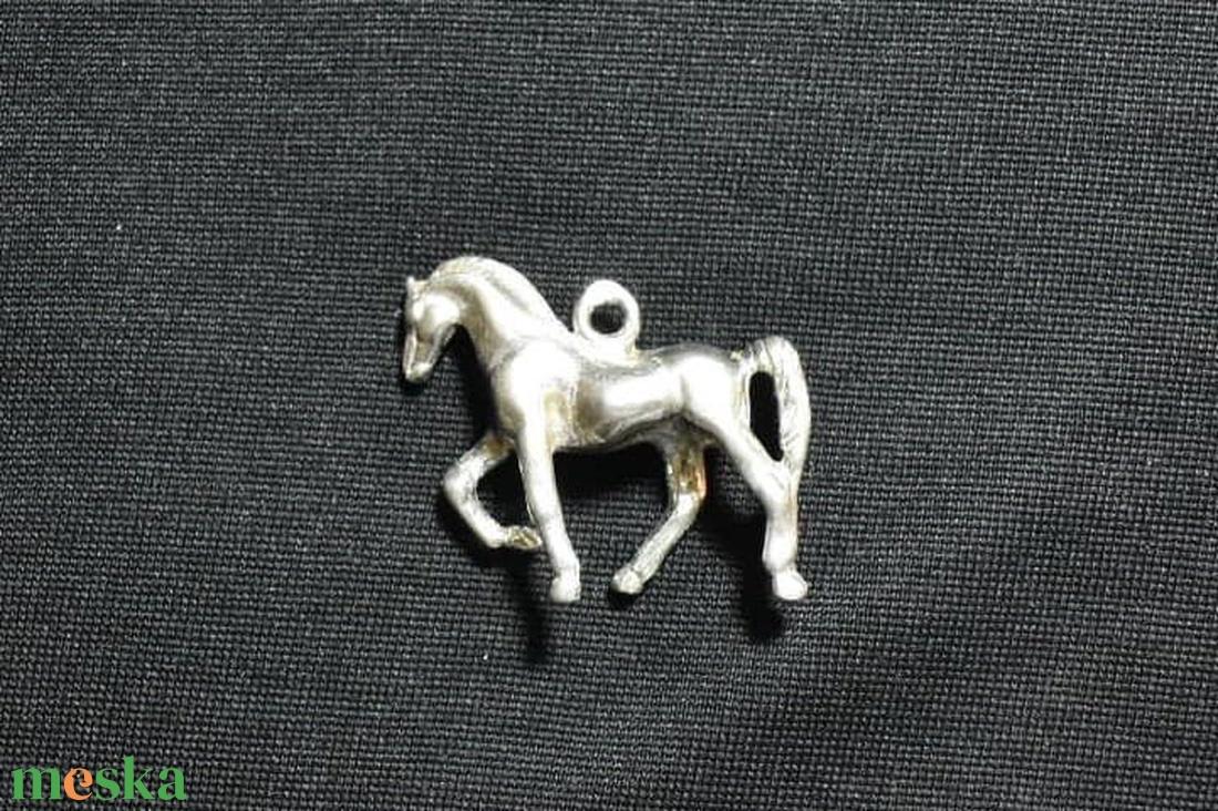 Zsebóralánc függő, medál lépő ló ezüstből - ékszer - karóra és ékszeróra - zsebóra - Meska.hu