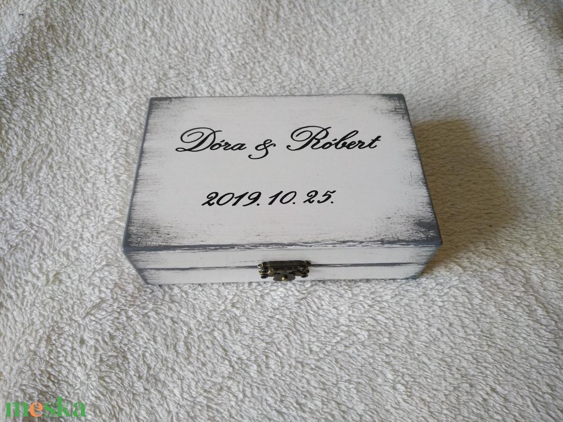 gyűrűtartó doboz fából - esküvő - kiegészítők - gyűrűtartó & gyűrűpárna - Meska.hu