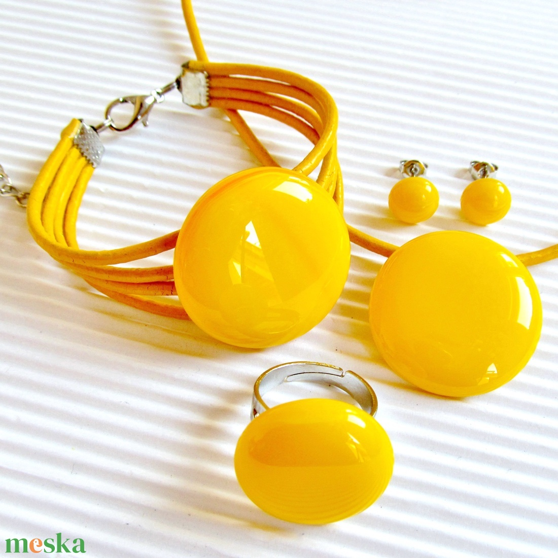 Okker sárga kerek üveg gyűrű, üvegékszer - ékszer - gyűrű - statement gyűrű - Meska.hu