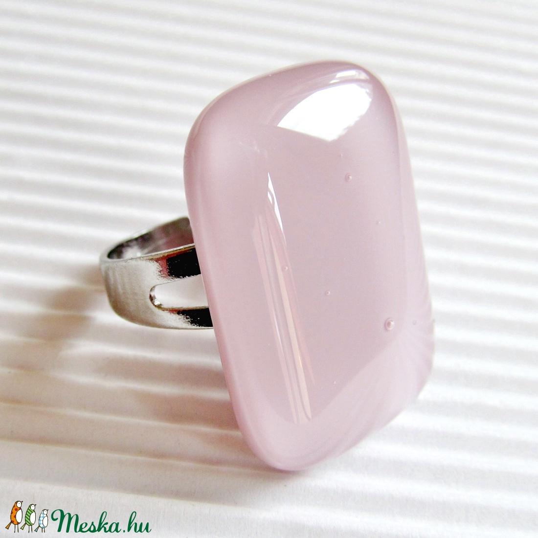 Sápadt rózsaszín elegancia üveg gyűrű, üvegékszer - ékszer - gyűrű - statement gyűrű - Meska.hu