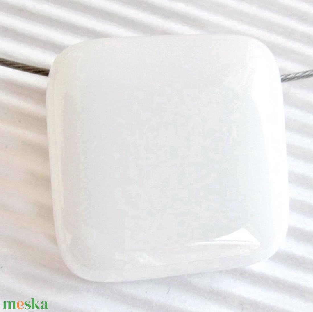 Hófehér üveg kocka medál és fülbevaló, NEMESACÉL, üvegékszer szett - ékszer - ékszerszett - Meska.hu