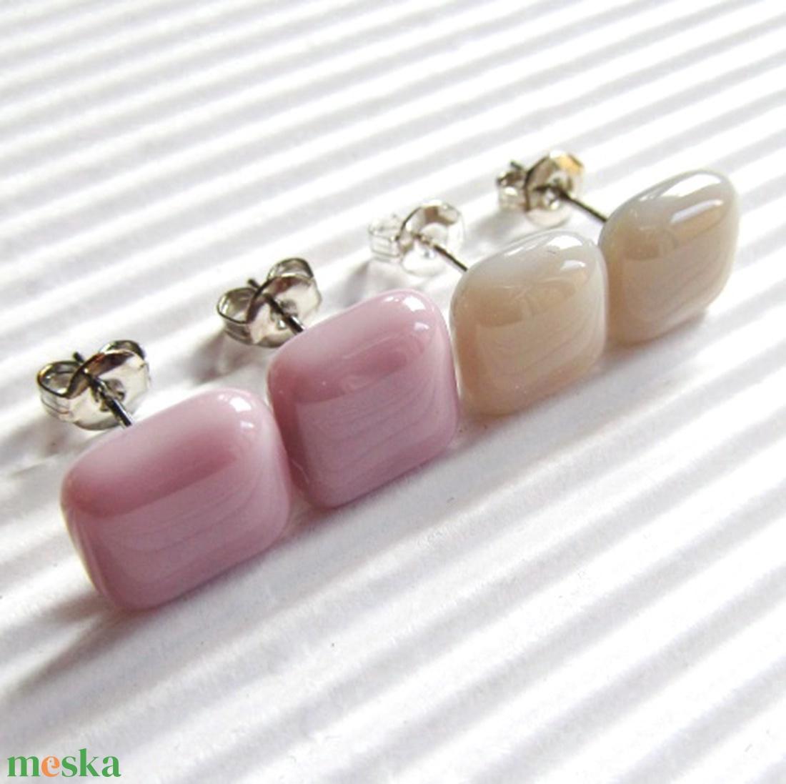 Romantika üveg fülbevaló páros orvosi fém alapon, üvegékszer szett - ékszer - fülbevaló - pötty fülbevaló - Meska.hu