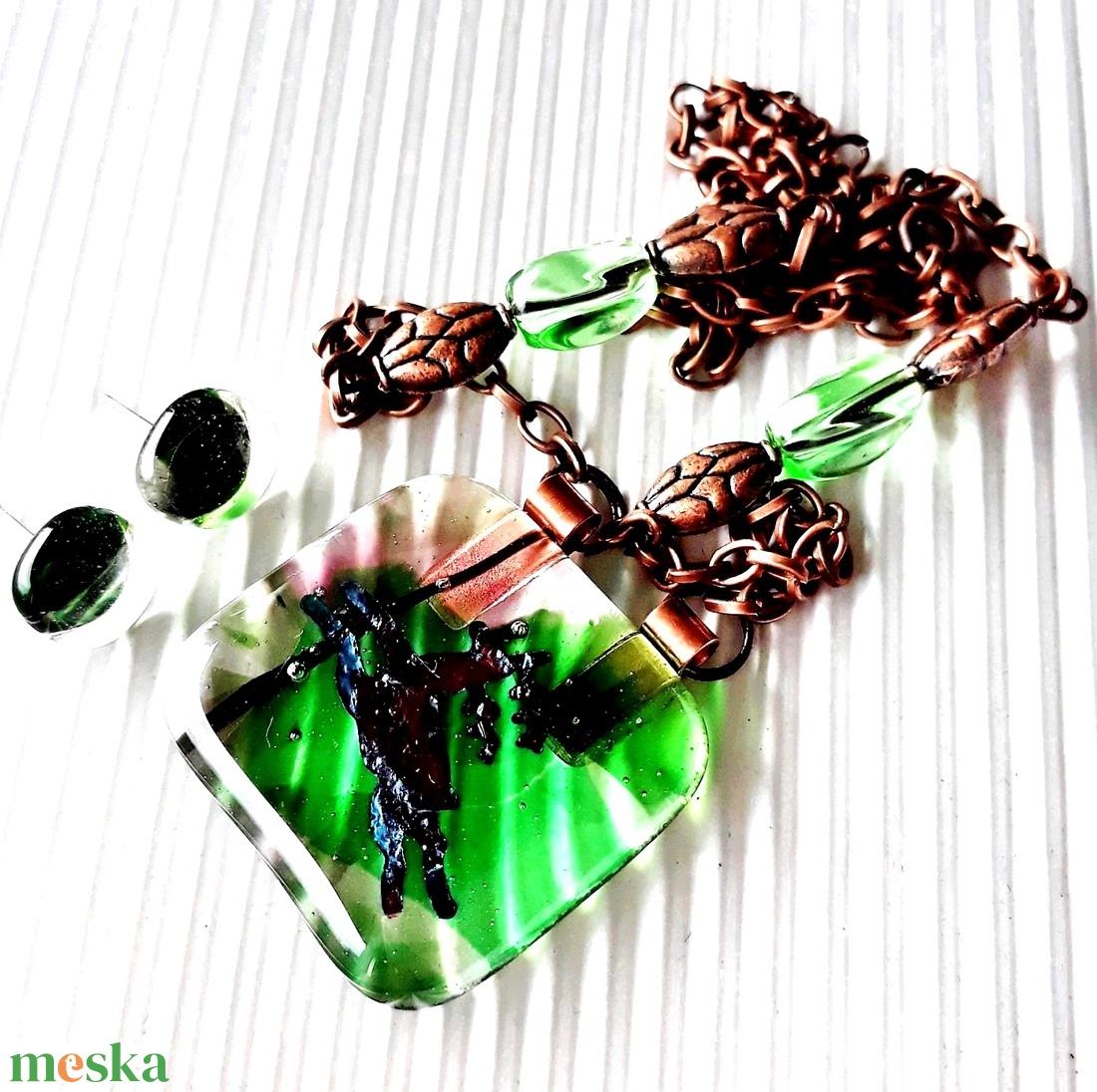 Tavaszi erdő üvegékszer nyaklánc, vörösréz színű láncon, ajándék fülbevalóval, üvegékszer szett, gyöngyékszer - ékszer - ékszerszett - Meska.hu