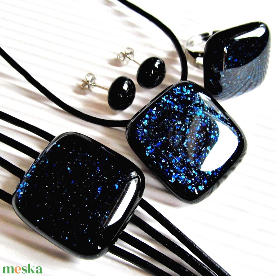 Csillagfényes éjszaka sötétkék üveg medál és fülbevaló, NEMESACÉL, üvegékszer szett - ékszer - ékszerszett - Meska.hu
