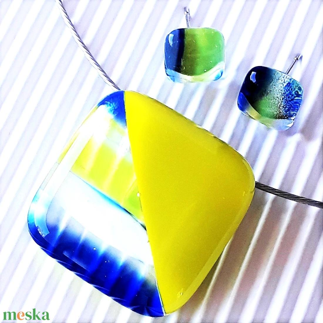 Cinke banán-zöldben üveg medál és fülbevaló, NEMESACÉL, üvegékszer szett - ékszer - ékszerszett - Meska.hu