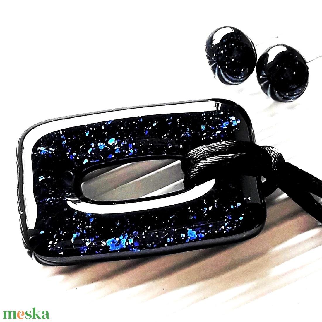Csillagfényes éjszaka sötétkék maxi fémmentes elegáns üveg medál, üvegékszer - ékszer - nyaklánc - medálos nyaklánc - Meska.hu
