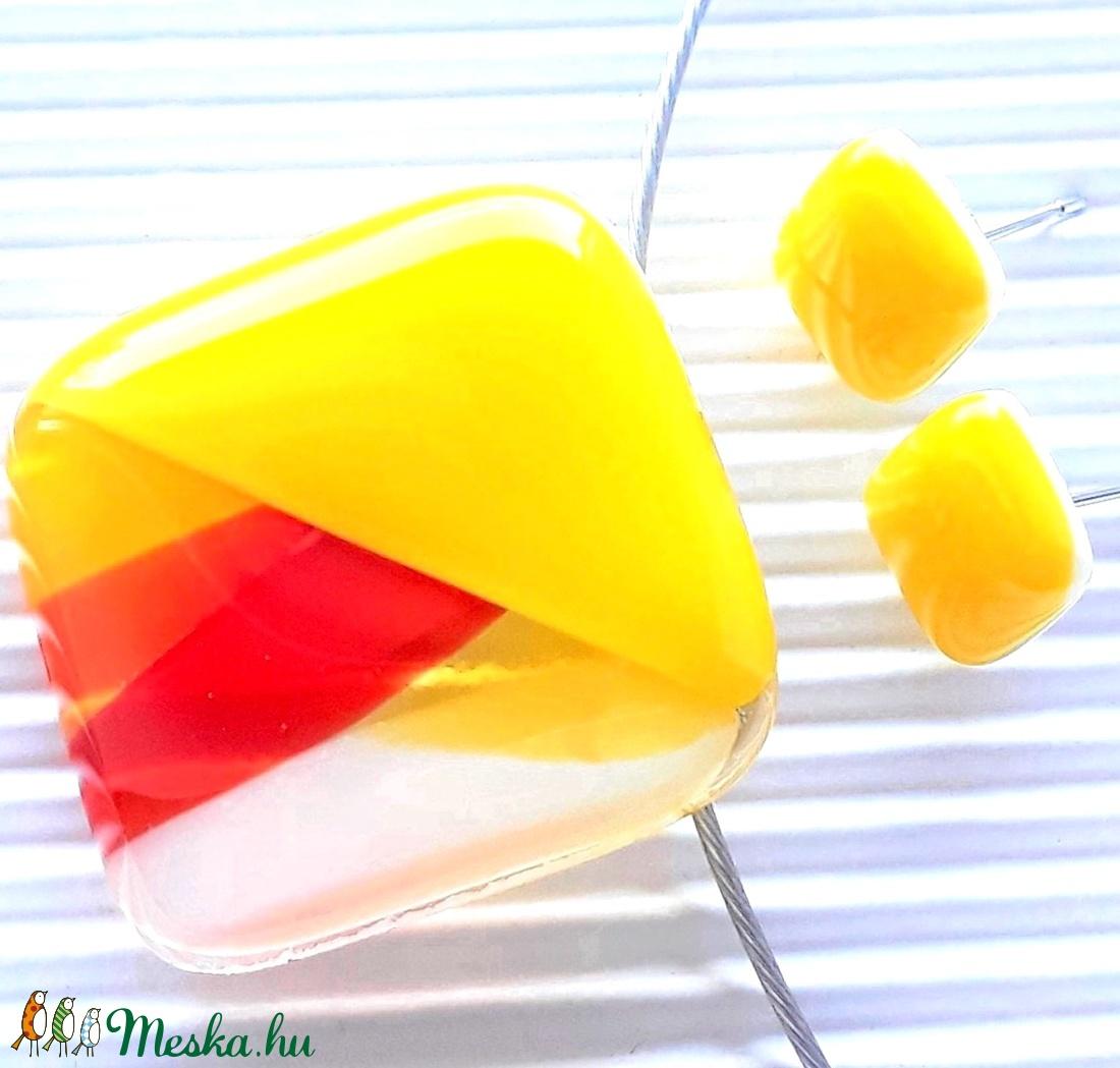 Tűzmadár élénk sárgában rombusz üveg medál és kocka fülbevaló orvosi fém bedugón, minimal, üvegékszer - ékszer - ékszerszett - Meska.hu