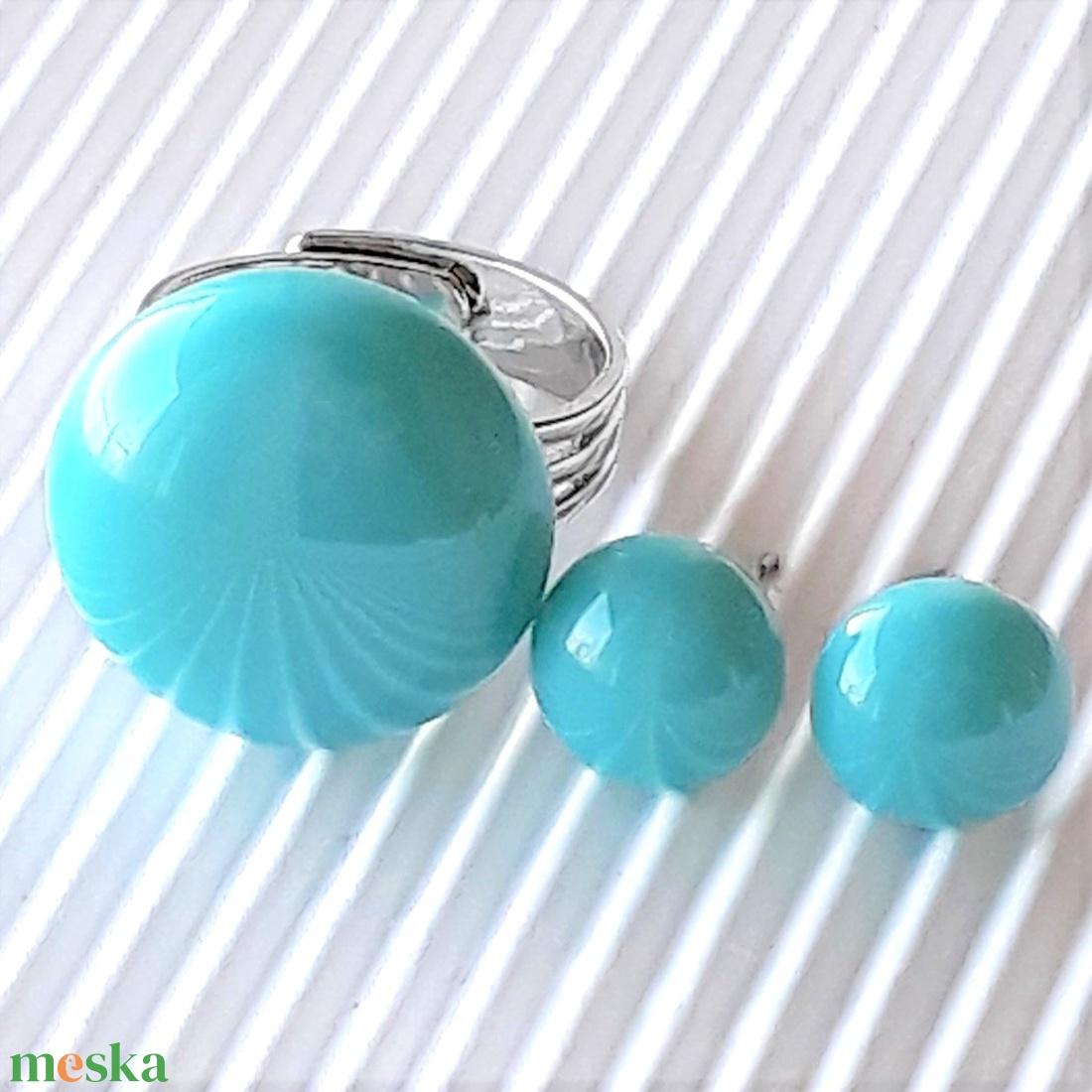 Akvamarin kerek gyűrű és fülbevaló orvosi fém bedugón, üvegékszer szett - ékszer - ékszerszett - Meska.hu