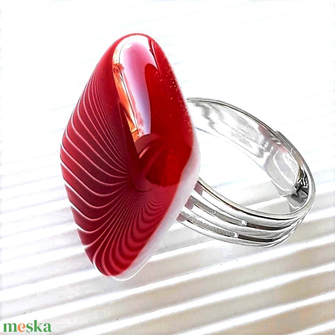 Meggyszörp kocka üveg gyűrű, üvegékszer - ékszer - gyűrű - statement gyűrű - Meska.hu