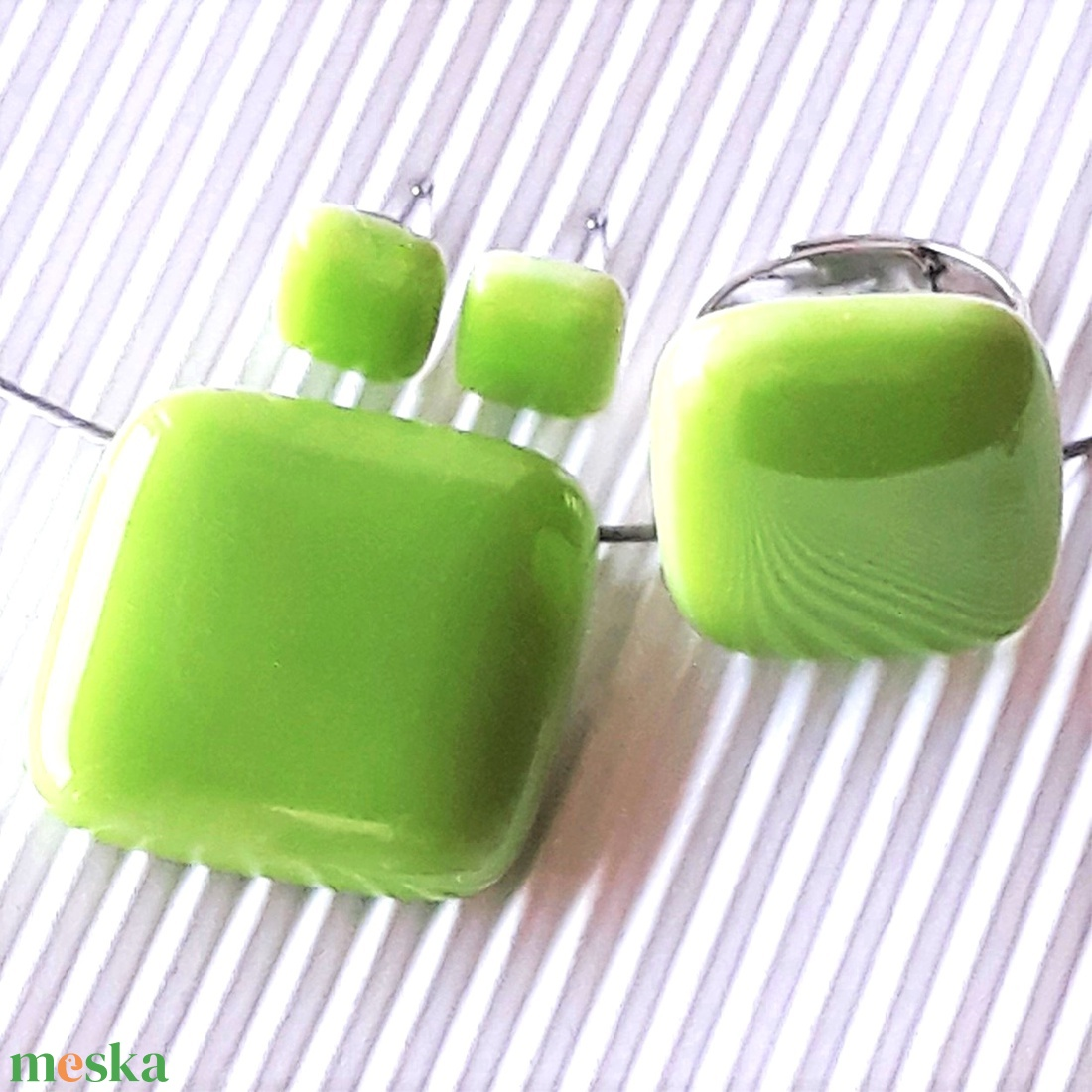 Bambuszrügy üveg kocka medál, gyűrű és fülbevaló orvosi fém bedugón, minimal üvegékszer szett - ékszer - ékszerszett - Meska.hu