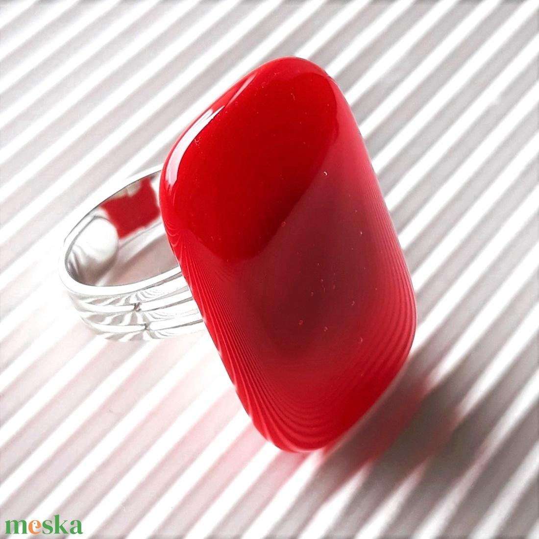 Meggypiros elegáns üveg gyűrű, üvegékszer - ékszer - gyűrű - statement gyűrű - Meska.hu