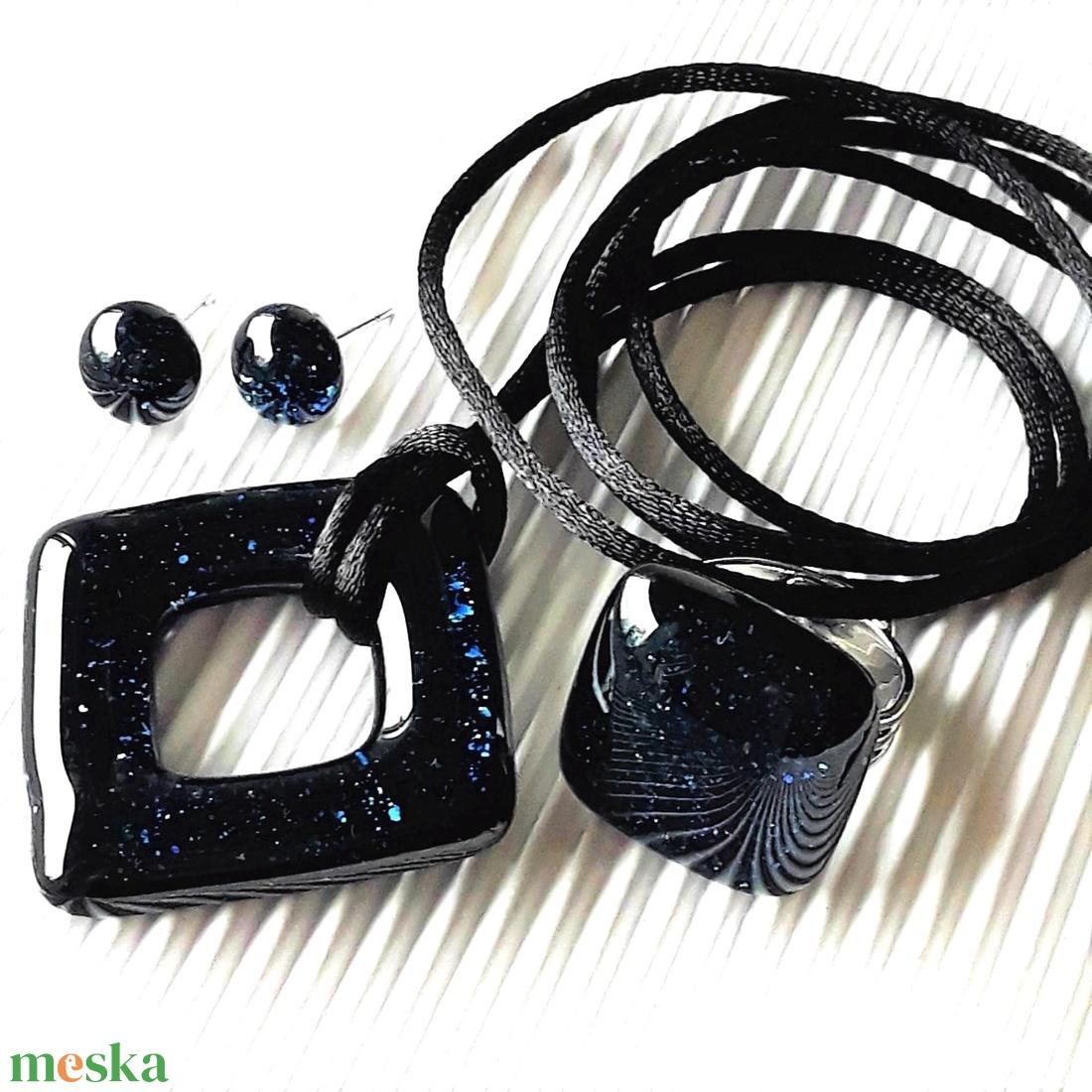 Csillagfényes éjszaka sötétkék maxi FÉMMENTES üveg medál, gyűrű és fülbevaló, NEMESACÉL/ORVOSI FÉM, üvegékszer szett - ékszer - ékszerszett - Meska.hu