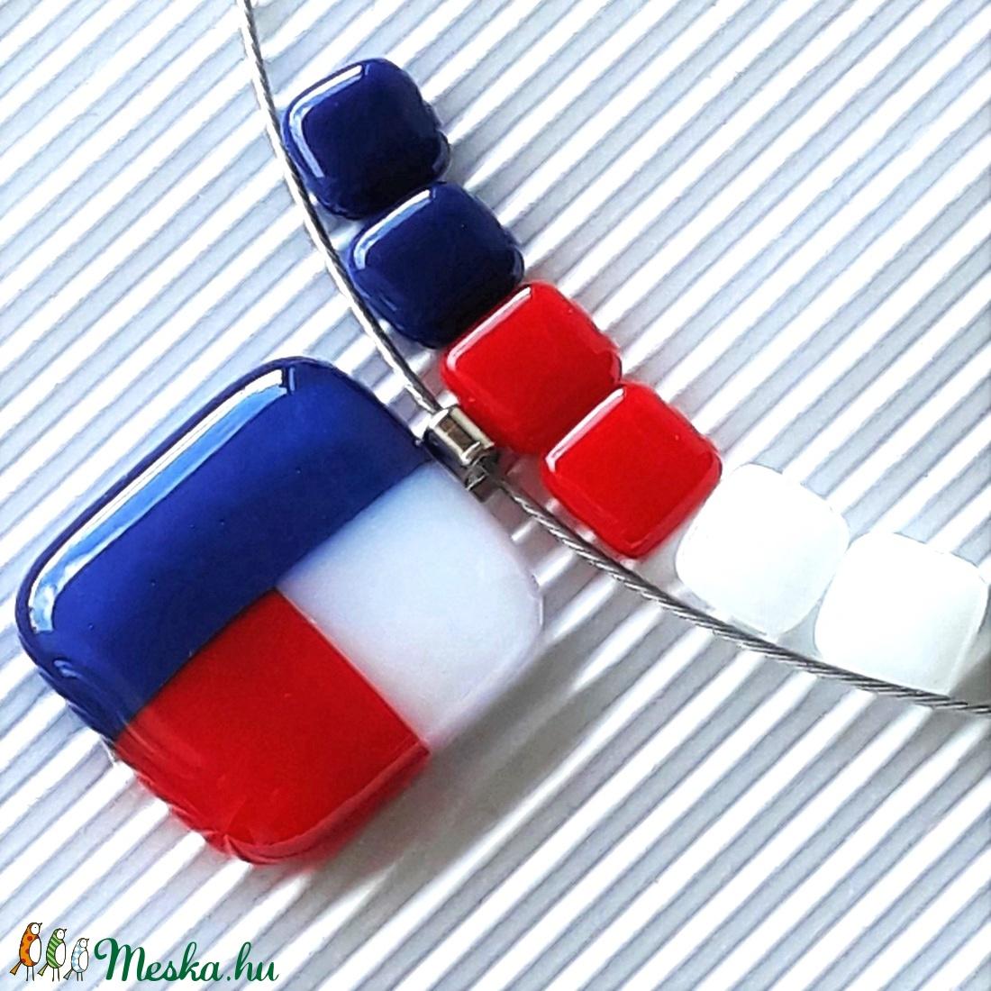 NEMESACÉL: Tengerész kék-fehér-piros mozaik üveg medál és bedugós fülbevaló, üvegékszer szett  - ékszer - ékszerszett - Meska.hu