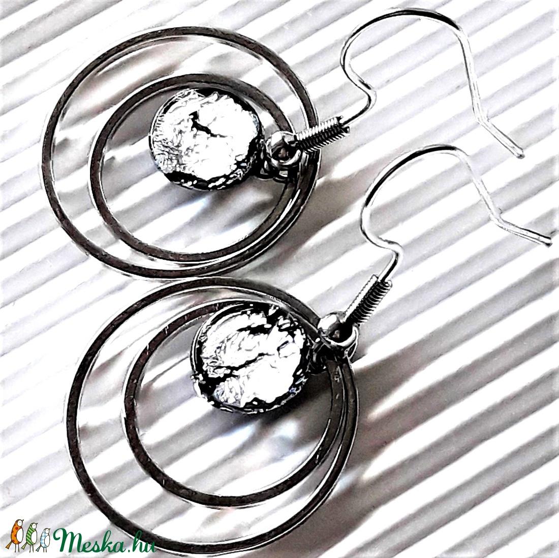 Ezüst ragyogás dichroic pötty üveg fülbevaló NEMESACÉL akasztón, üvegékszer - ékszer - fülbevaló - lógós kerek fülbevaló - Meska.hu