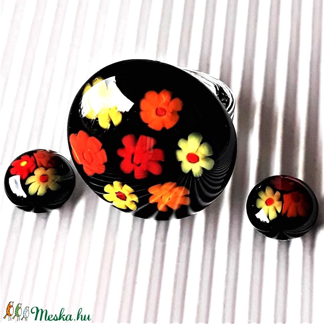 Éjfekete virágfolyó üveg gyűrű és fülbevaló ORVOSI FÉM bedugón, milleiori, virág, üvegékszer szett - ékszer - ékszerszett - Meska.hu