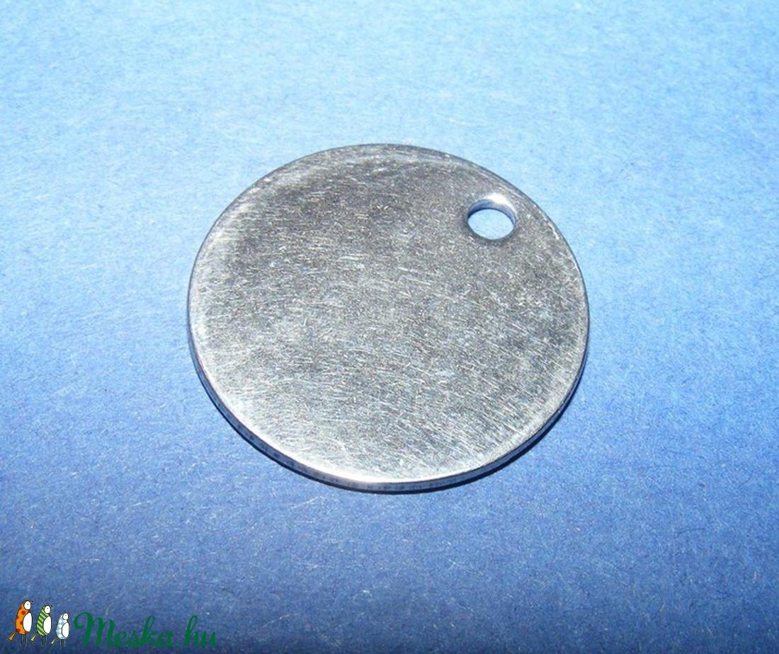 Nemesacél medál (STAS-31 minta) - ? 8x1 mm - gyöngy, ékszerkellék - Meska.hu