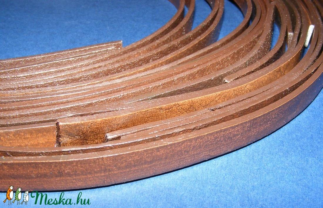 Hasított lapos bőrszíj (11/A minta/1 db) - sötétbarna - vegyes alapanyag - egyéb alapanyag - Meska.hu