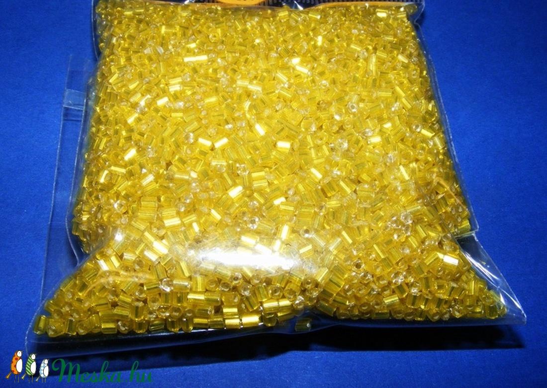 Vágott szalmagyöngy-48 (2x2 mm/100 g) - fényes sárga (csimbo) - Meska.hu