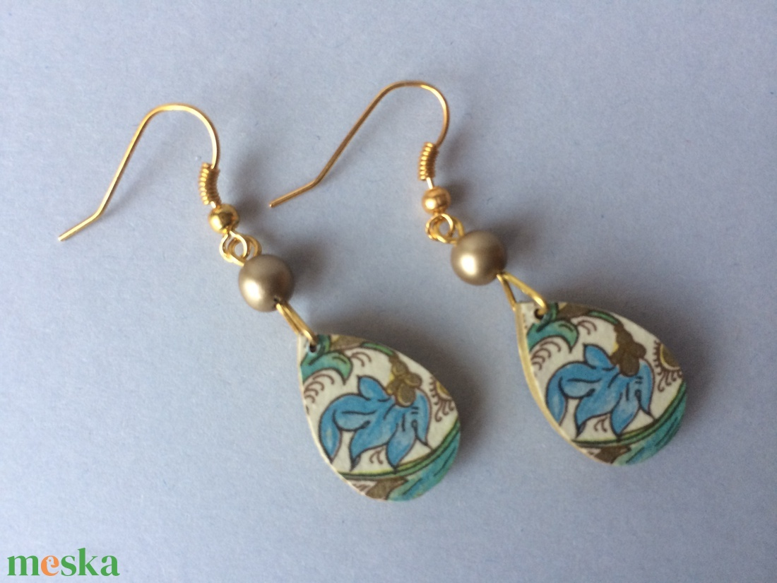 Kék virágos minicsepp fülbevaló - ékszer - fülbevaló - lógó csepp fülbevaló - Meska.hu