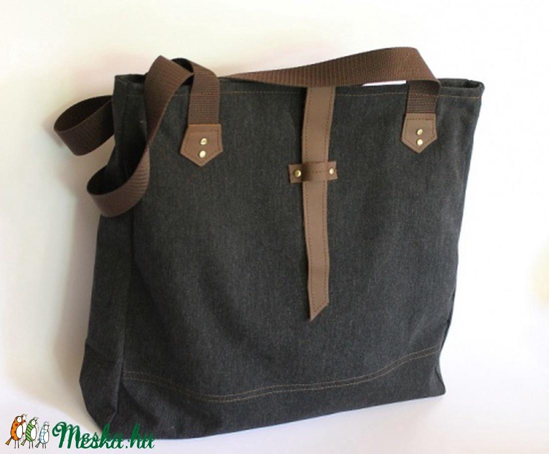 Táska Sötétkék erős vászon táska barna valódi bőrrel és szegecsekkel 6b55f10f4e