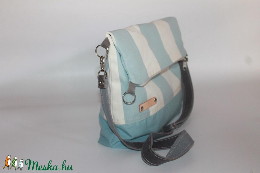 Táska Válltáska ipad táska kék csíkos táska szürke bőr pánttal (BYildi) -  Meska.hu 7c9953c636
