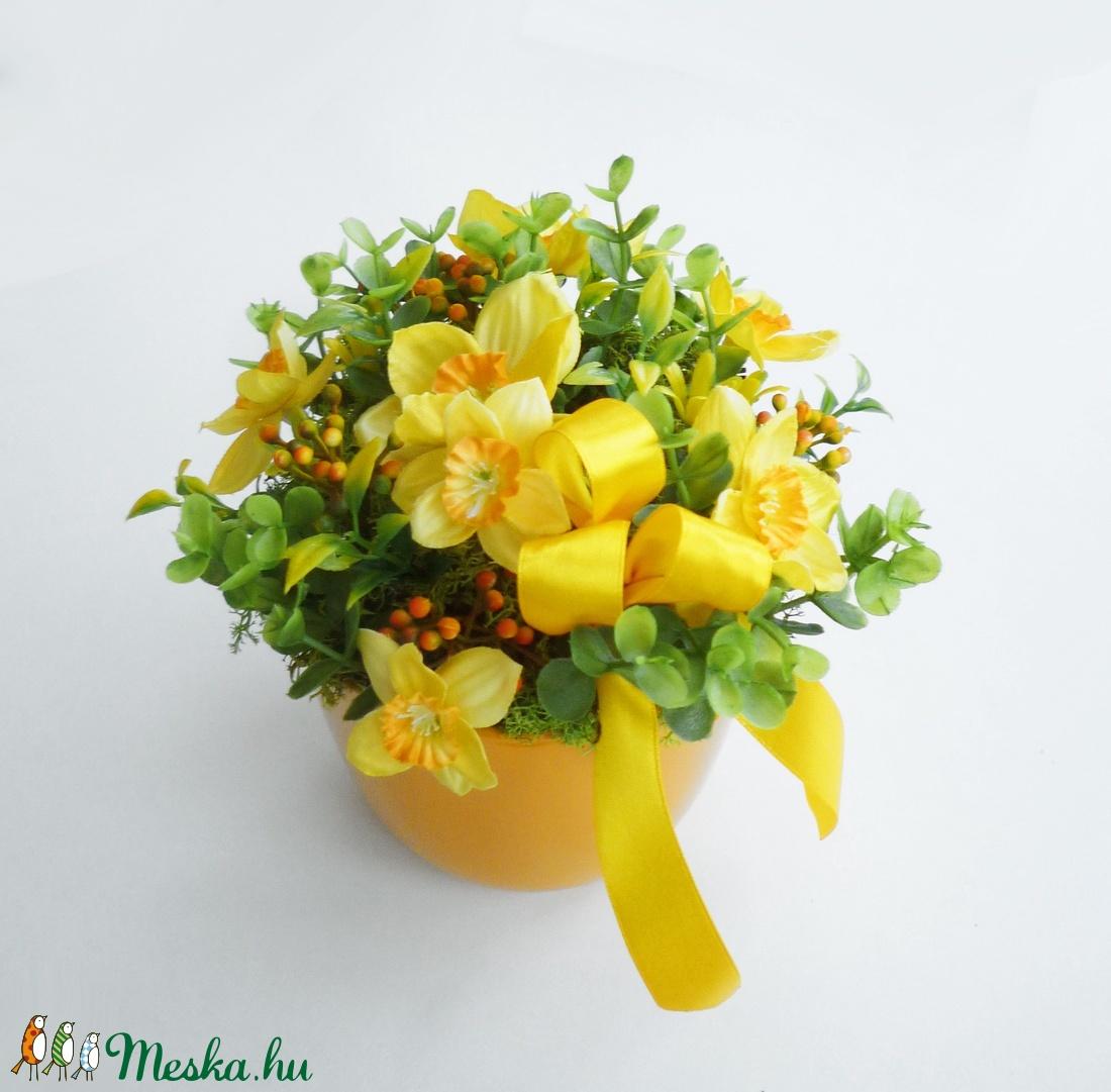 Húsvéti asztaldísz sárga nárciszokkal (Decoflor) - Meska.hu