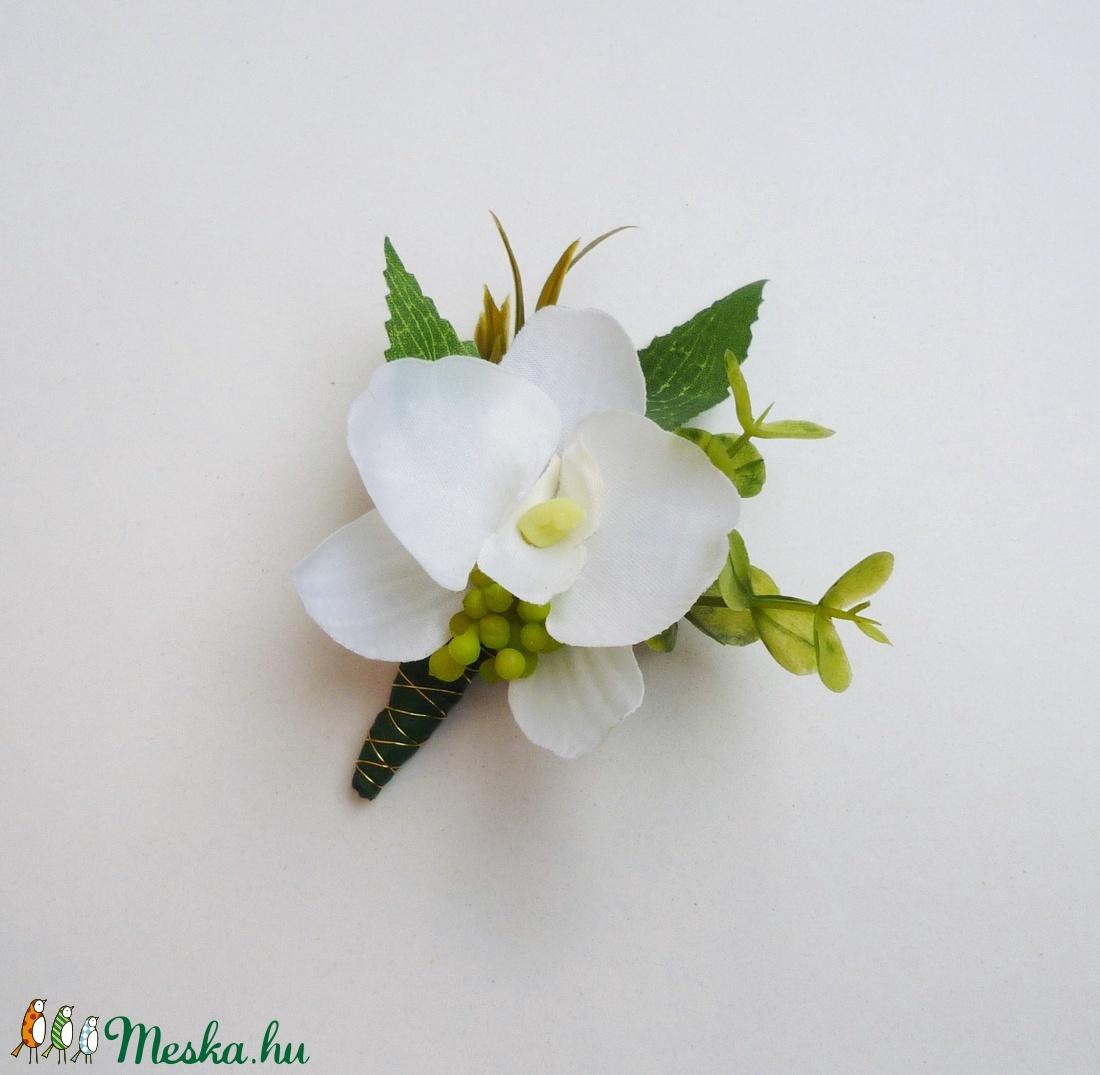 Kis orchidea esküvői kitűző (Decoflor) - Meska.hu