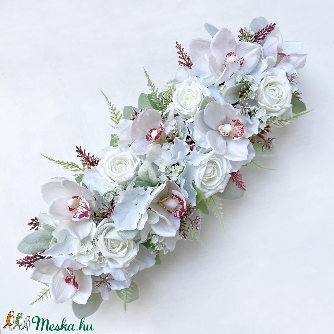 Esküvői orchideás főasztaldísz fa dobozban  - esküvő - dekoráció - asztaldísz - Meska.hu