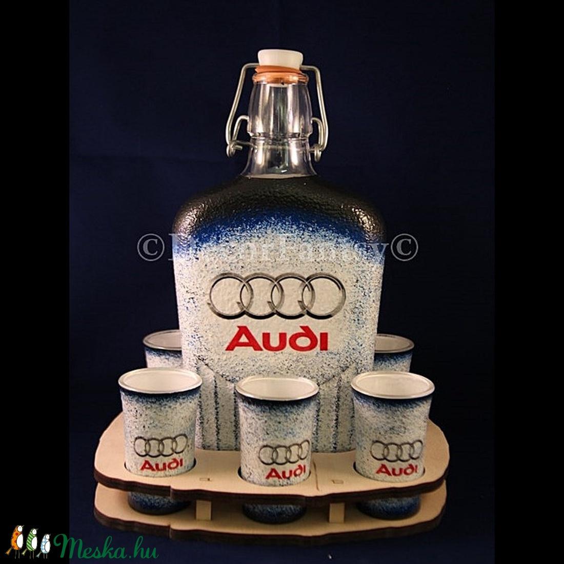 AUDI   emblémával díszített italos szett ( 0,5 l üveg + 6x45 ml pohár + FAtartó )  (decorfantasy) - Meska.hu