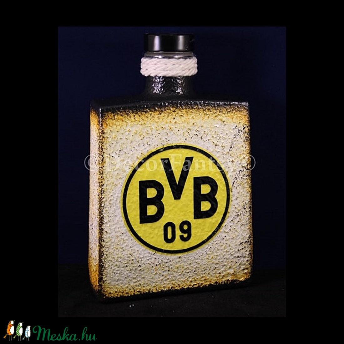 Borussia Dortmund  emblémával díszített   italos üveg  (0,5 l )   (decorfantasy) - Meska.hu