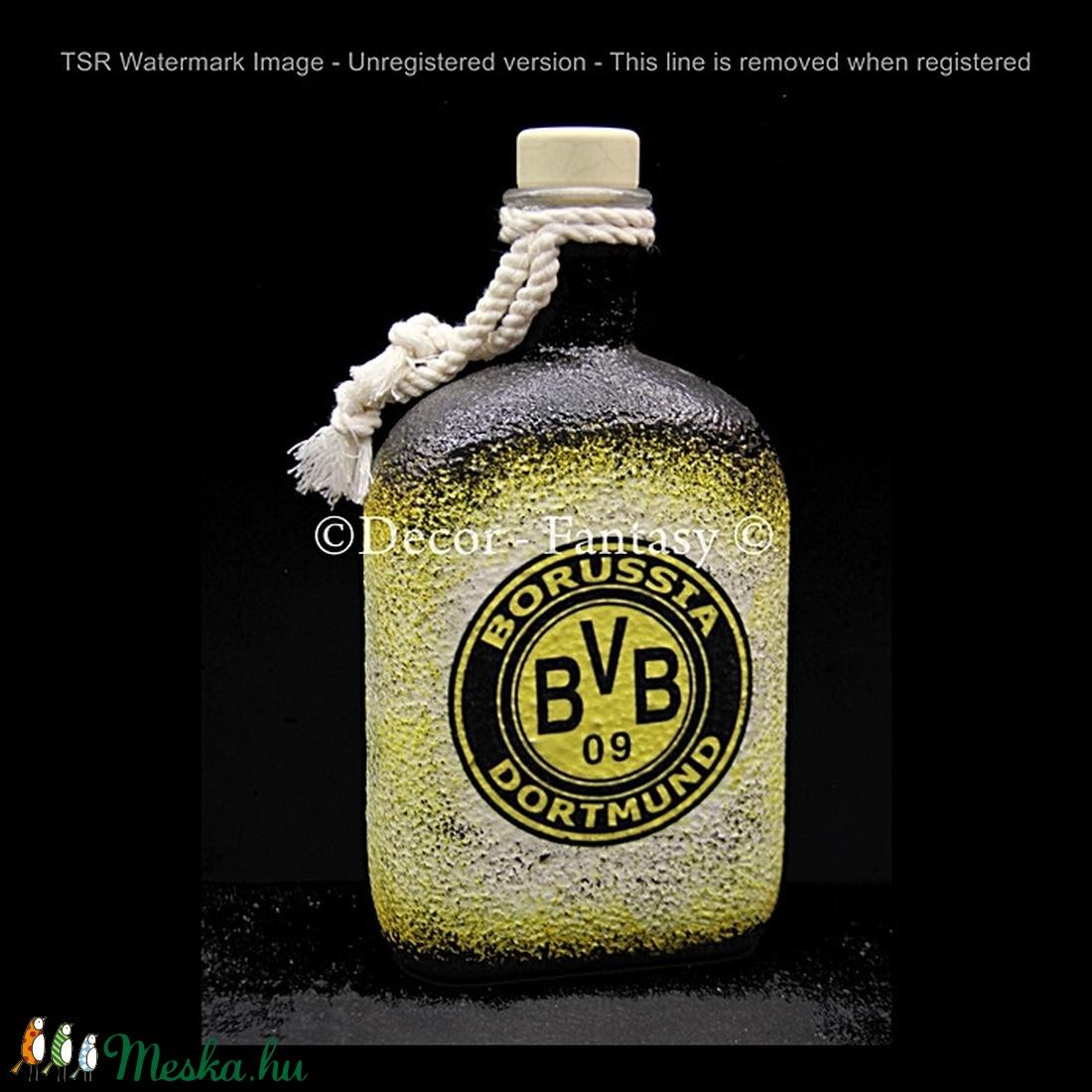 Borussia Dortmund  emblémával díszített   italos üveg ( 0,5 l )  (decorfantasy) - Meska.hu